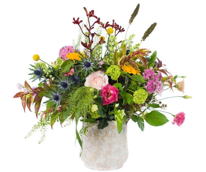 Ramo Nº 03 - Mix de flores: Anigozanthus, Setaria, Craspedia, Viburnum, Eryngium, Lisianthus, Achilea, Ornitogalum, Girasol, Thlaspi, Brunia, Panicum, Rosa, verdes