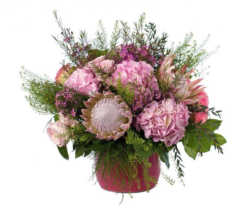 Ramo Nº 04: Protea, Hortensia, Rosa de Jardín, Flor de cera, Thlaspi, verdes