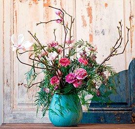 Ramo Nº 05: Magnolio, Gerbera, Clavel, Astrantia, Verdes - Margarita Se Llama Mi Amor - Floristería en Madrid