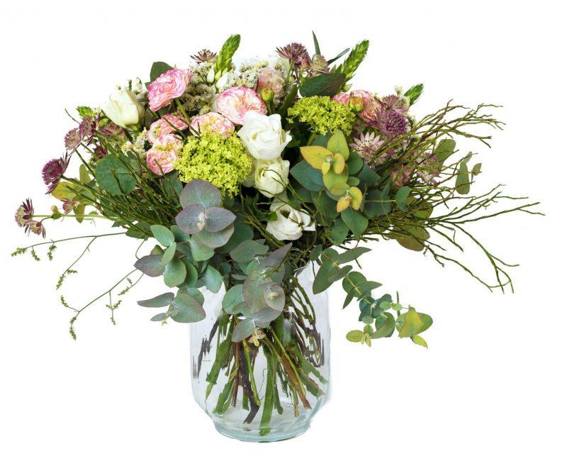 Ramo Nº 37: Rosas, Ornithogalum, Lisianthus, Viburnum, Astrantia, Limonium, Verdes, Jarrón