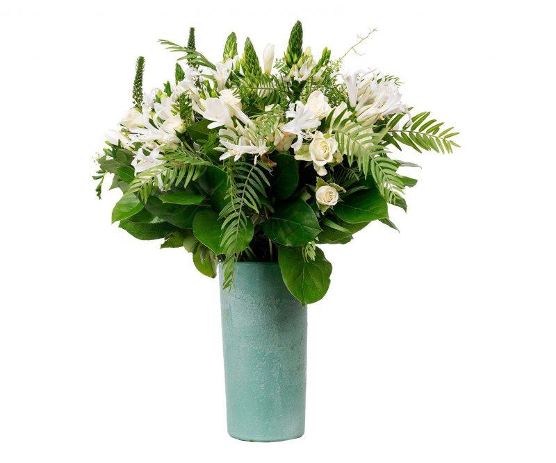 Bouquet  Nº 11 Nerine, Freesia, Ornitogalum, Veronica, verdes varios. Vase included - Florist in Madrid Margarita se llama mi amor