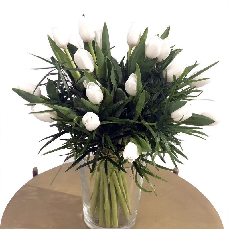 Venta online de flores - tulipanes blancos - Margarita se llama mi amor